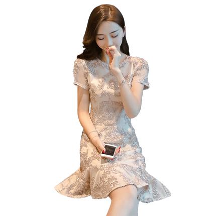 蕾丝春装气质超仙2020新款连衣裙