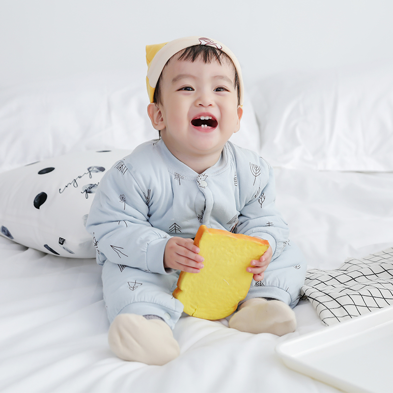新生婴儿保暖连体衣秋冬0-6个月12男宝宝夹棉长袖哈衣女幼儿冬装