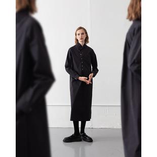 慢茶 法式復古襯衫裙女秋設計感小眾V領黑色連衣裙中長款冷淡風