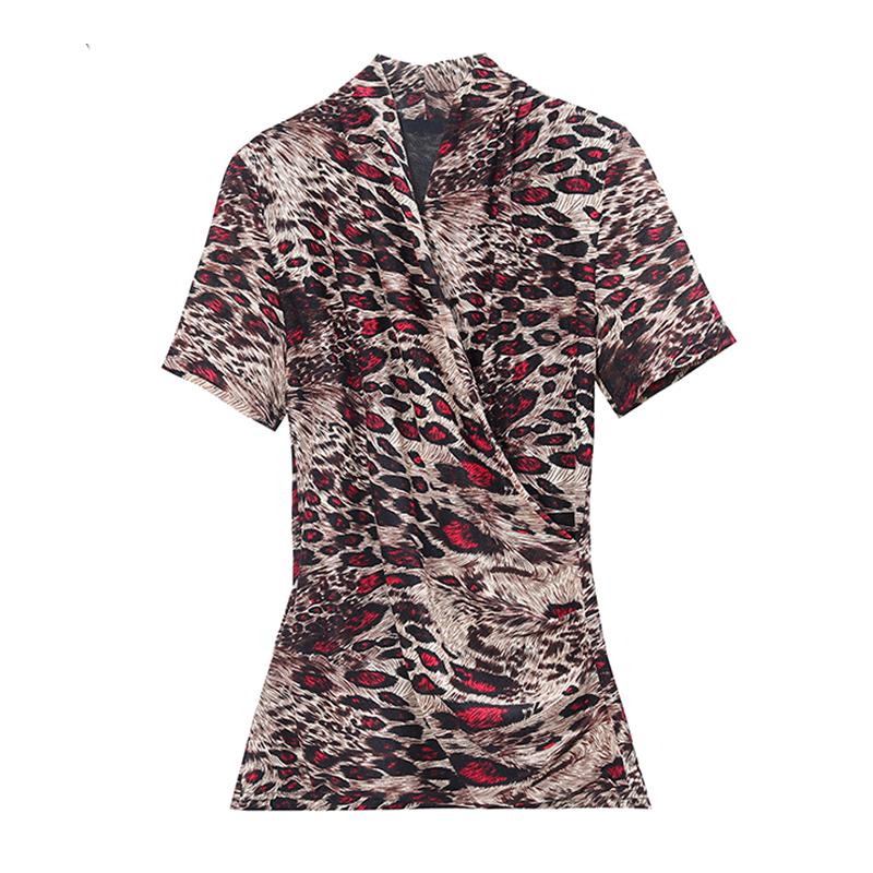 豹纹衫怎么搭配:豹纹加绒打底衫搭配图