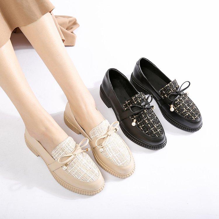黑白鞋子搭配什么衣服:黑裙子配的鞋子