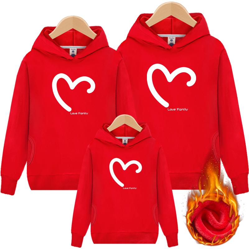 親子裝一家三口母女裝洋氣2019新款潮全家裝過年紅色加絨加厚衛衣