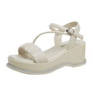 达芙妮坡跟凉鞋2021年新款夏季女鞋