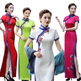 繡花減齡旗袍中國風優雅性感中老年女喜媽媽洋氣旗袍大碼超長款