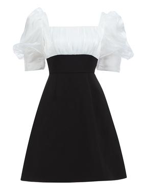 法式小众复古赫本风黑白显瘦连衣裙