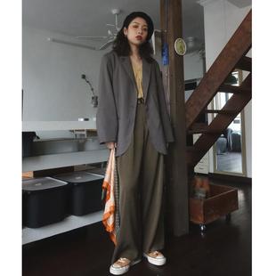 自制特别的灰色走秀款法式慵懒西服