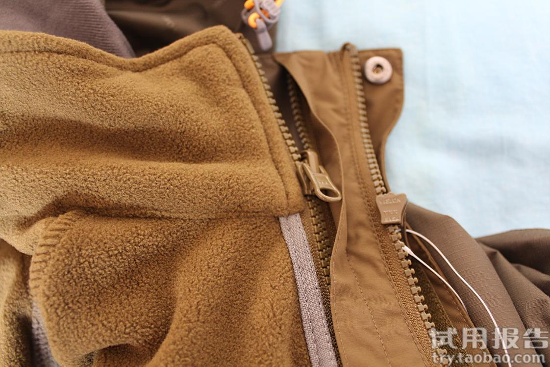 探路者的外衣荷叶防水效果非常出色 22