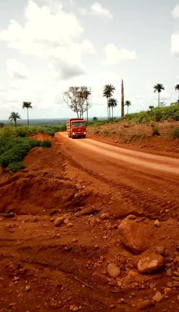 Prices of left hand drive mountain road dump truck