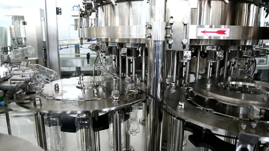 Automatic noraml pressure can water and no-carbonated drinks  syringe filling machine