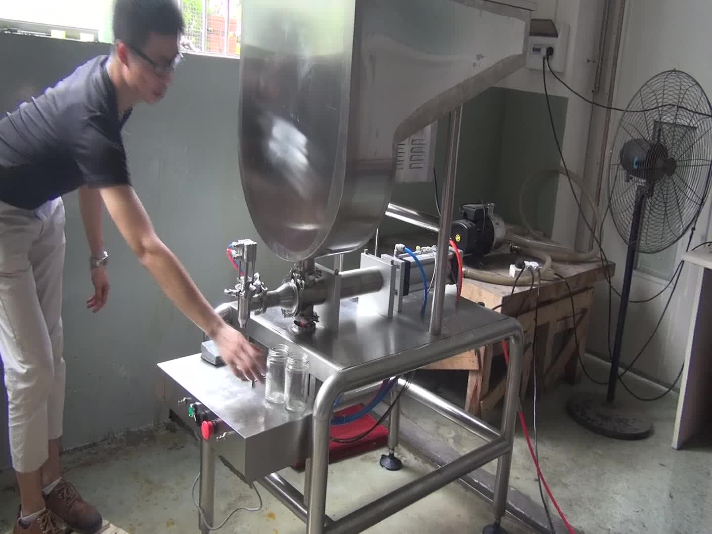 Double-heads Semi-automatic oil fill machine