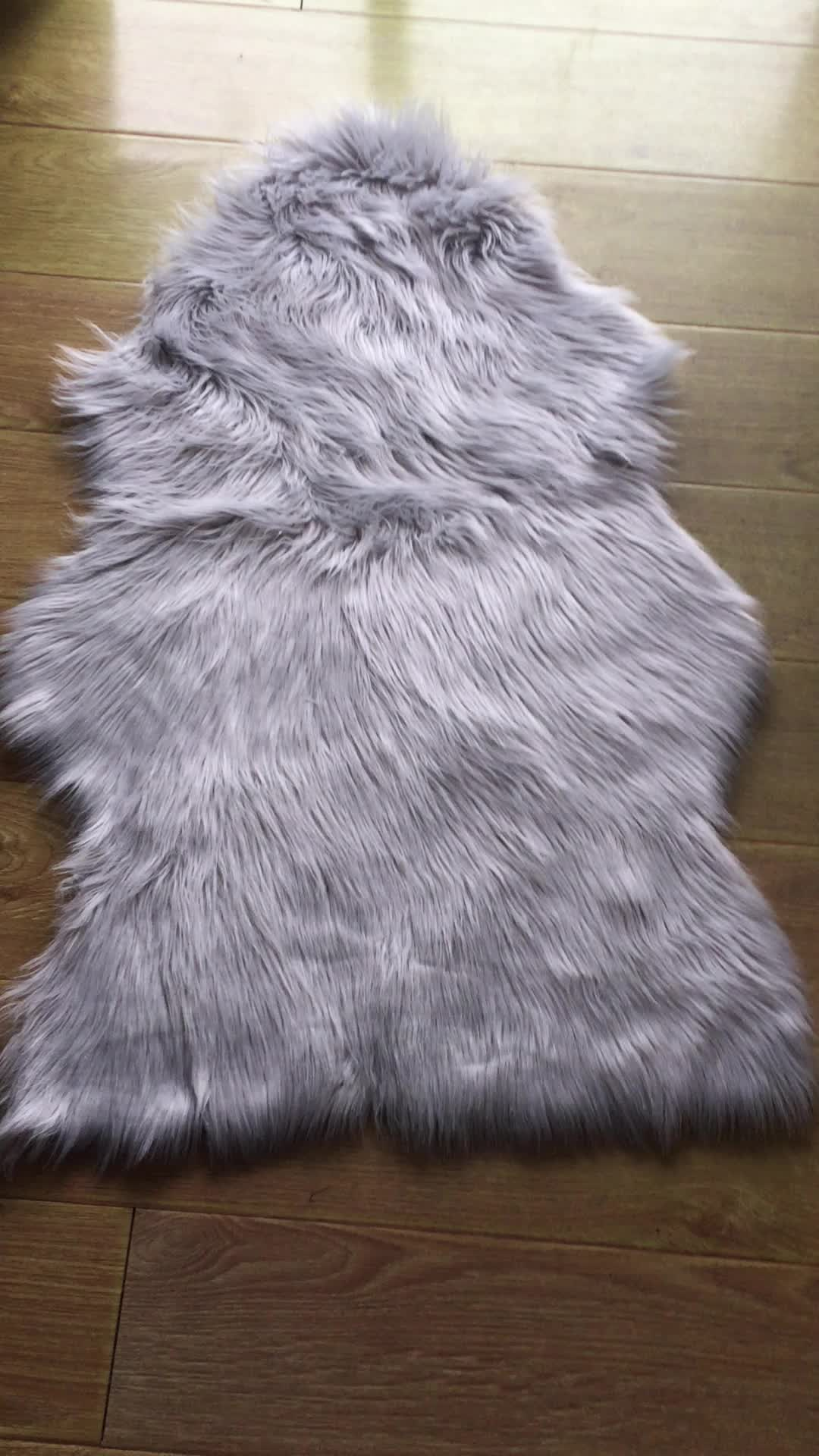 700g Cheap Price Grey Color Faux Fur Sheepskin Rug With