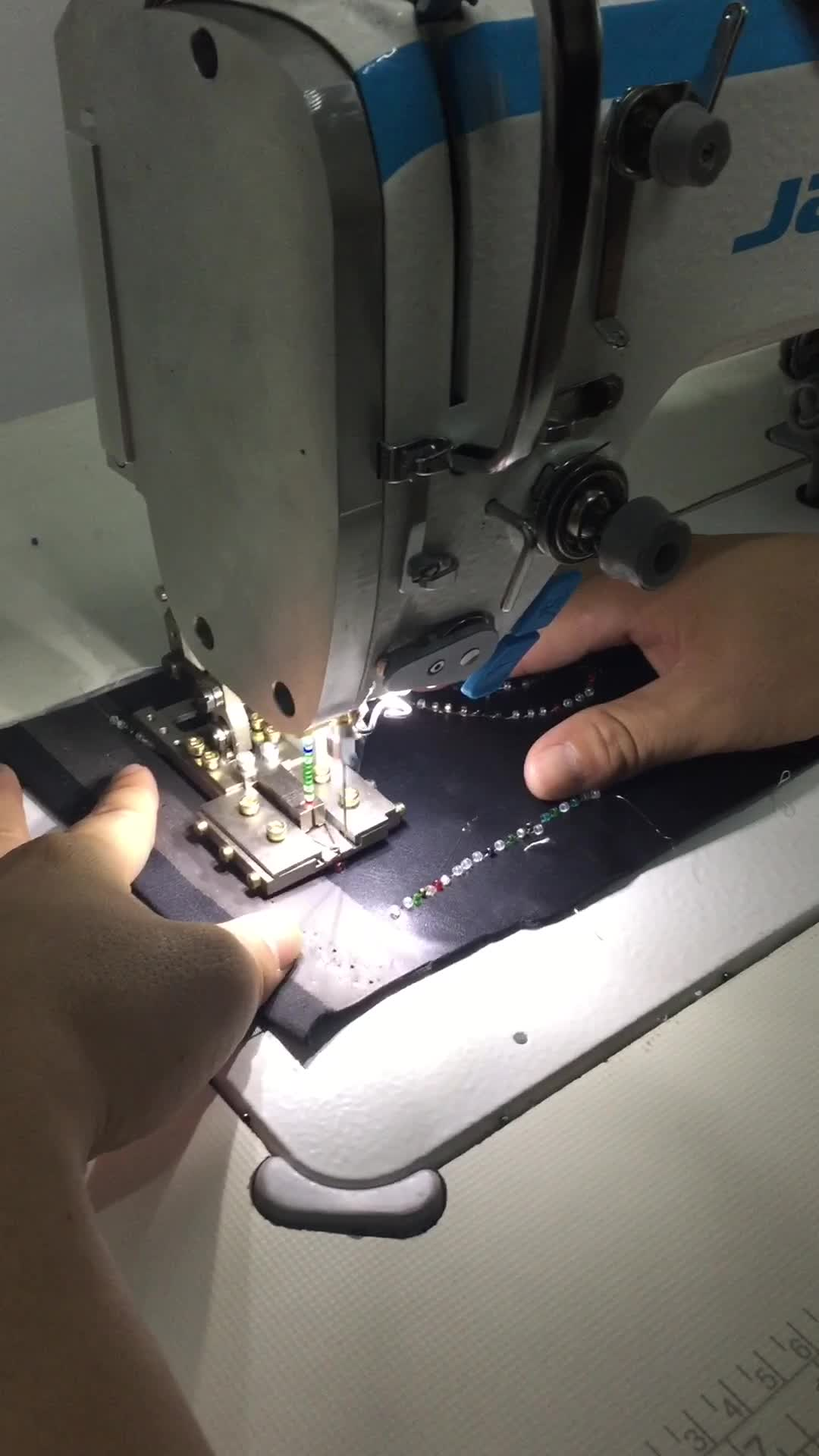 Beads Sewing Machine/Sewing Machine with Sequin/Bead devices(manufacturer)