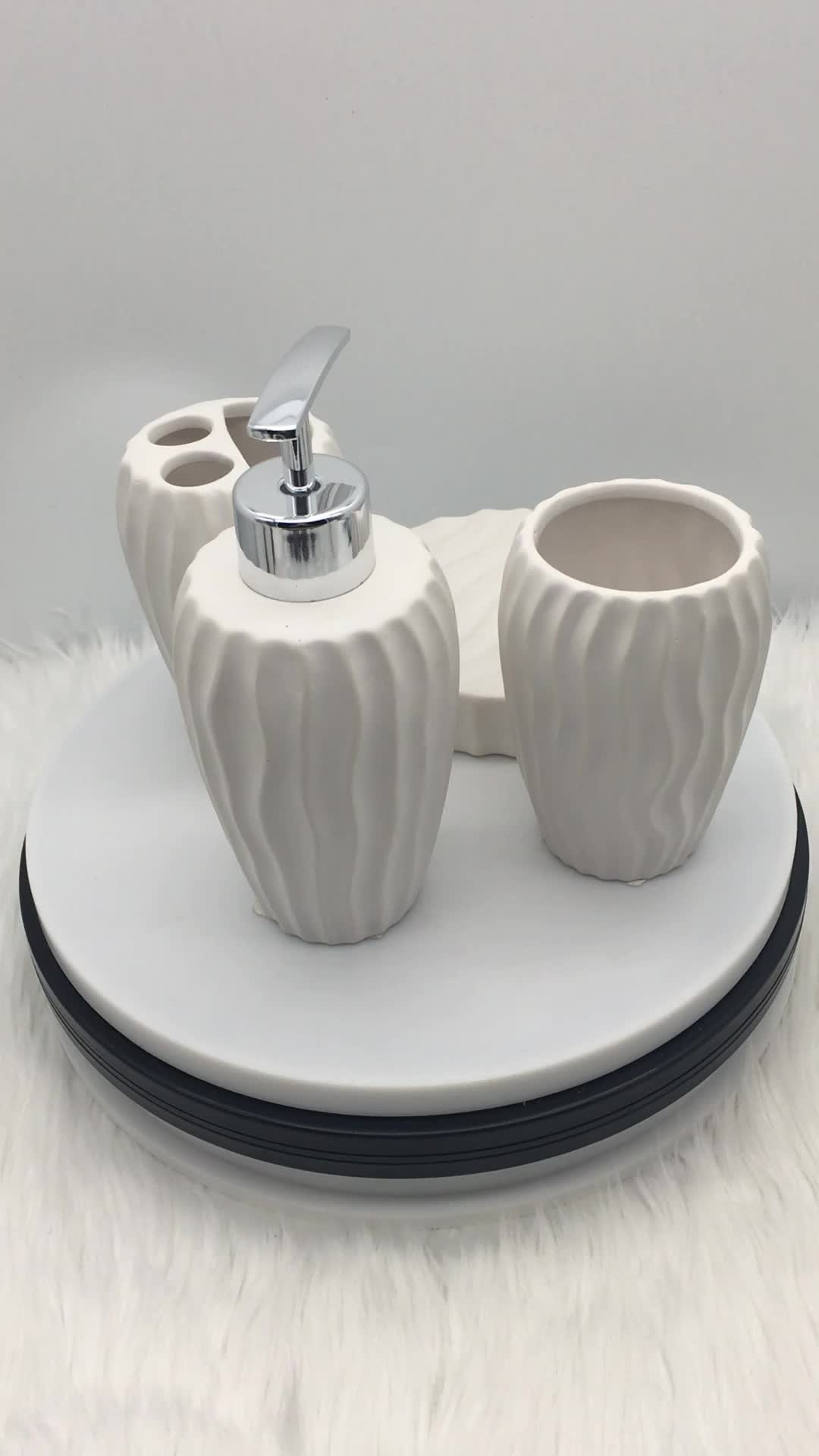 Cheap Price Eco Friendly Porcelain Bathroom Set Ceramic