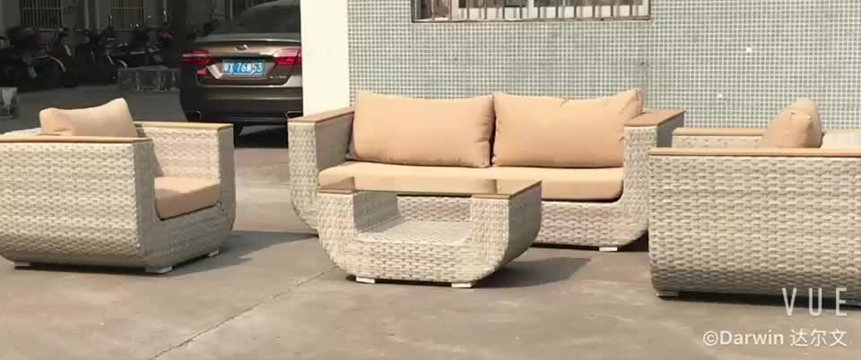 Comfortable and luxury rattan wicker sofa lounge set  livingroom rattan patio sofa set