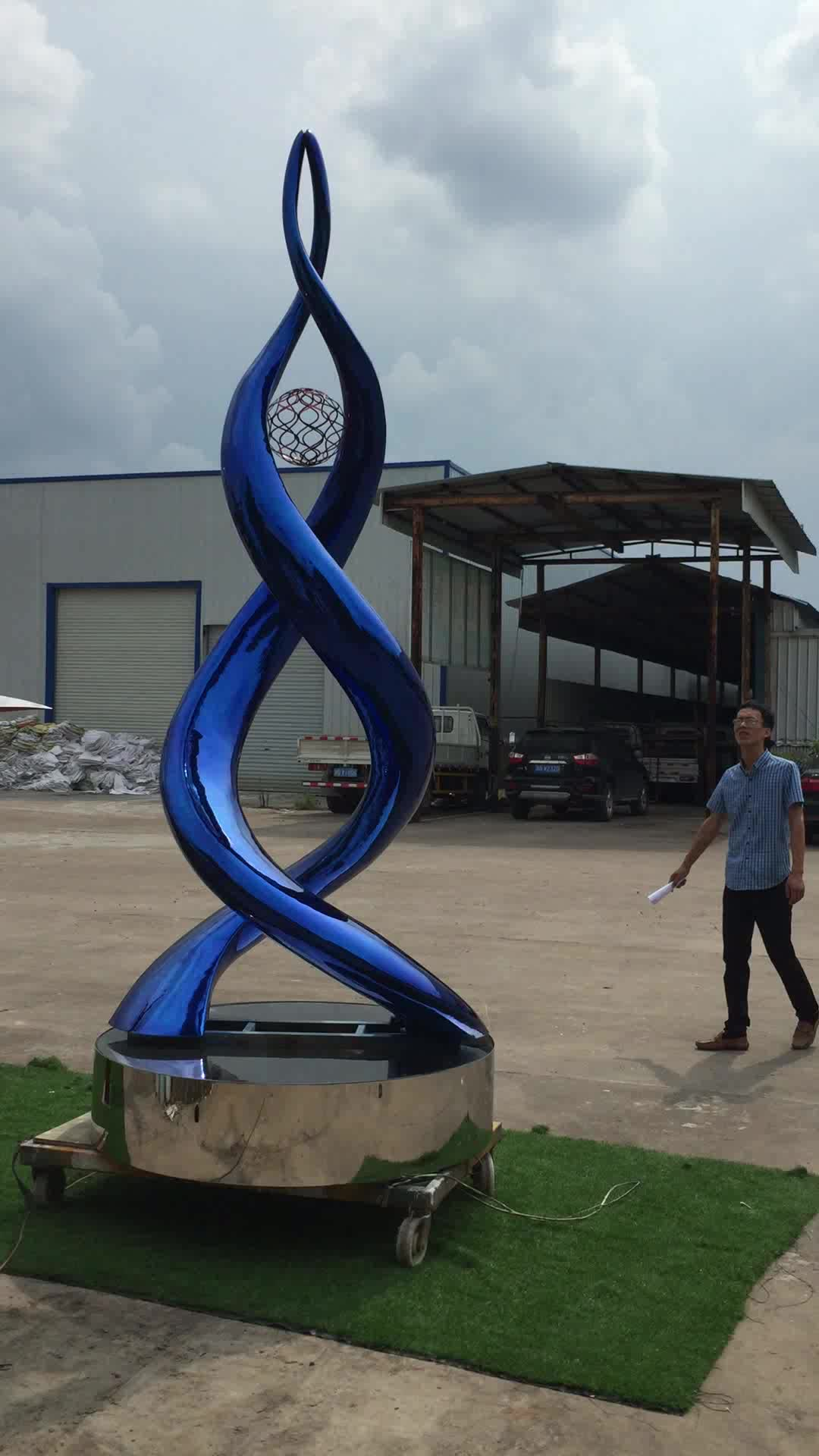 Rotate around kinetic statue by motor sent do Philippines by collector