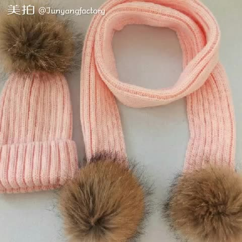 Popular real raccoon fur pom poms knit beanie and scarf