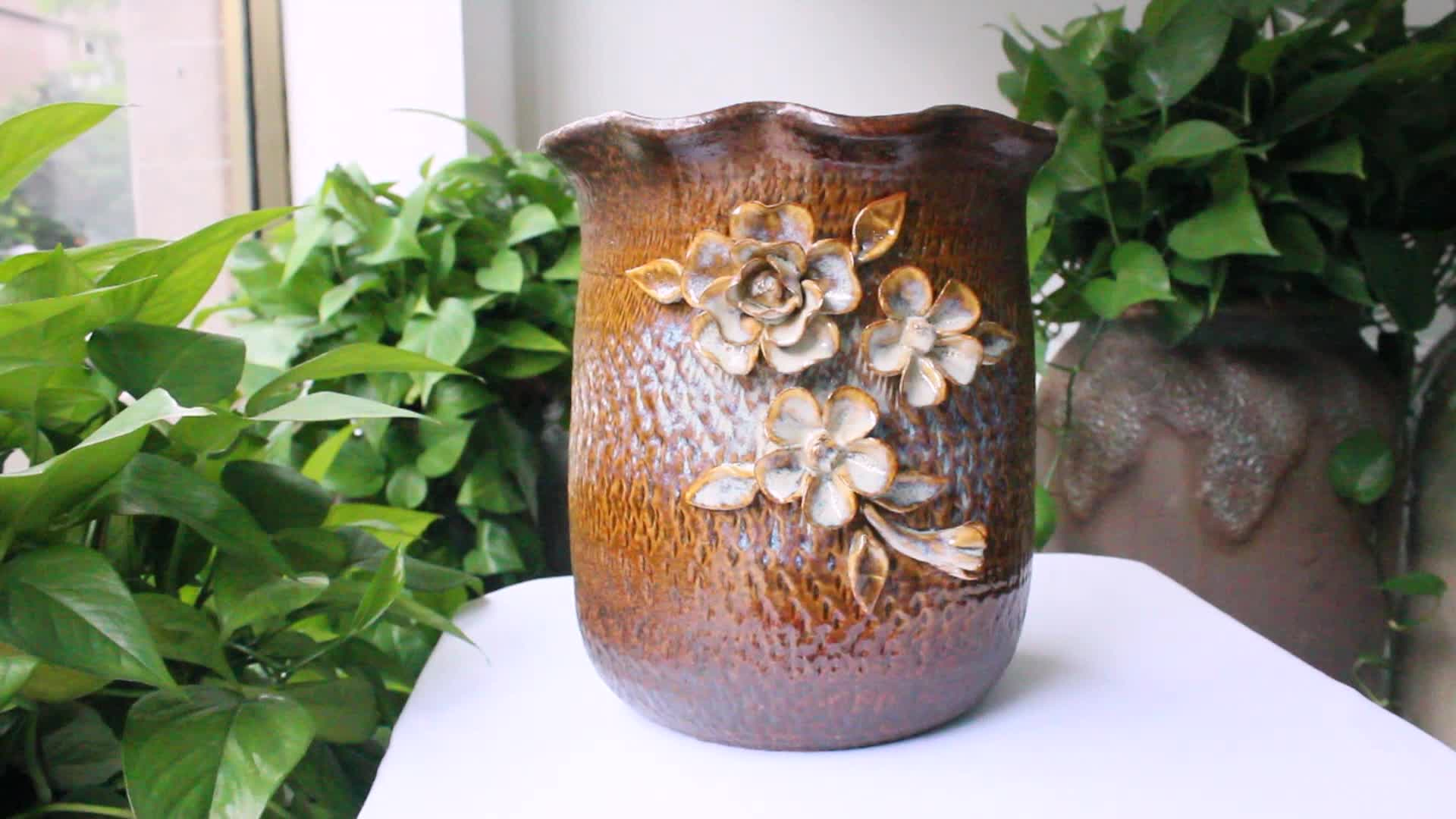 Good Quality Chinese Cheap Flower Pots Have Two Ears Design Garden