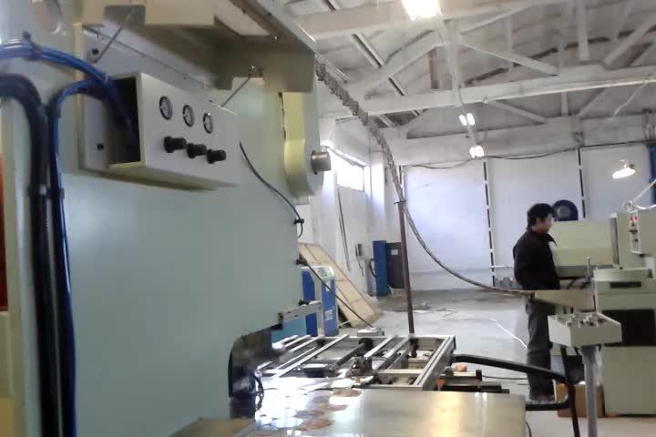 Metal Lug Cap Twist aus Glasglasdeckeln machen Maschine für die Lebensmittelindustrie