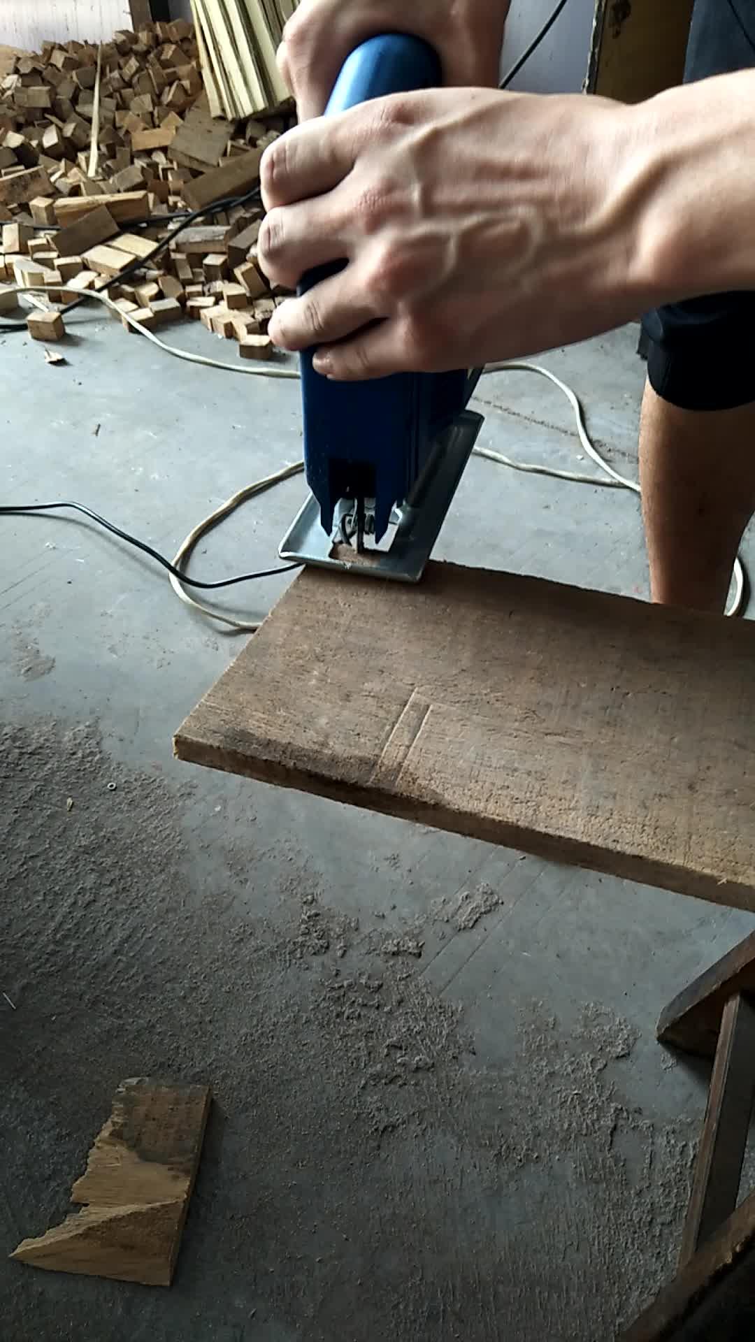 350W 전기 지그 톱