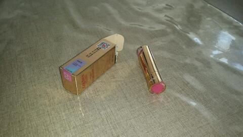 雅邦温变口红02色号蜜桃粉色试色,上色容易,厚涂薄涂不同感觉