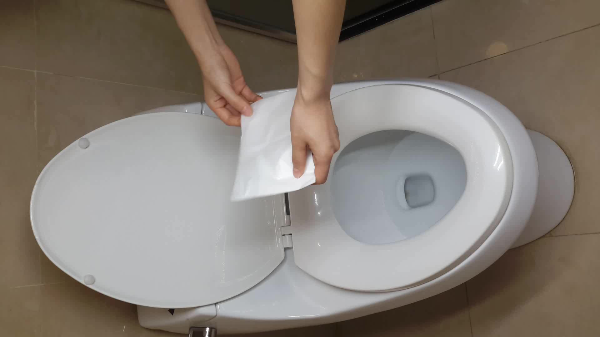 Hotel Toilets Use 1 4 Fold Flushable Paper Toilet Seat
