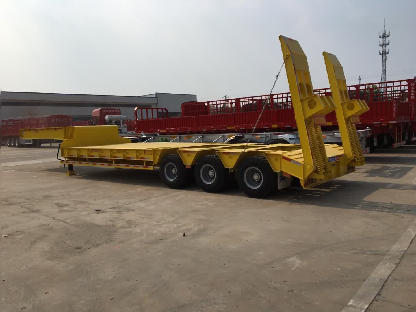 low price 60 ton 3 axle lowbed trailer lowboy axle for sale