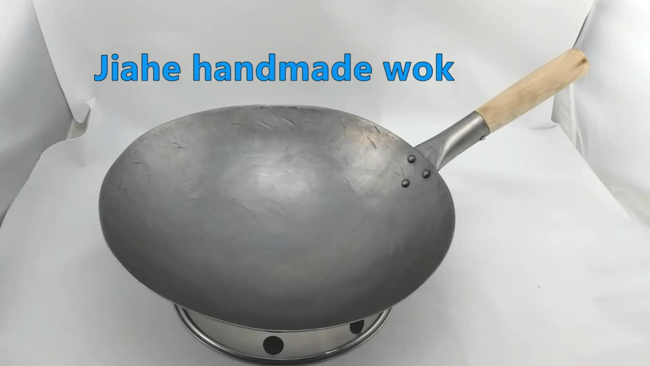 hand hammered carbon steel wok with single wooden handle chinese wok