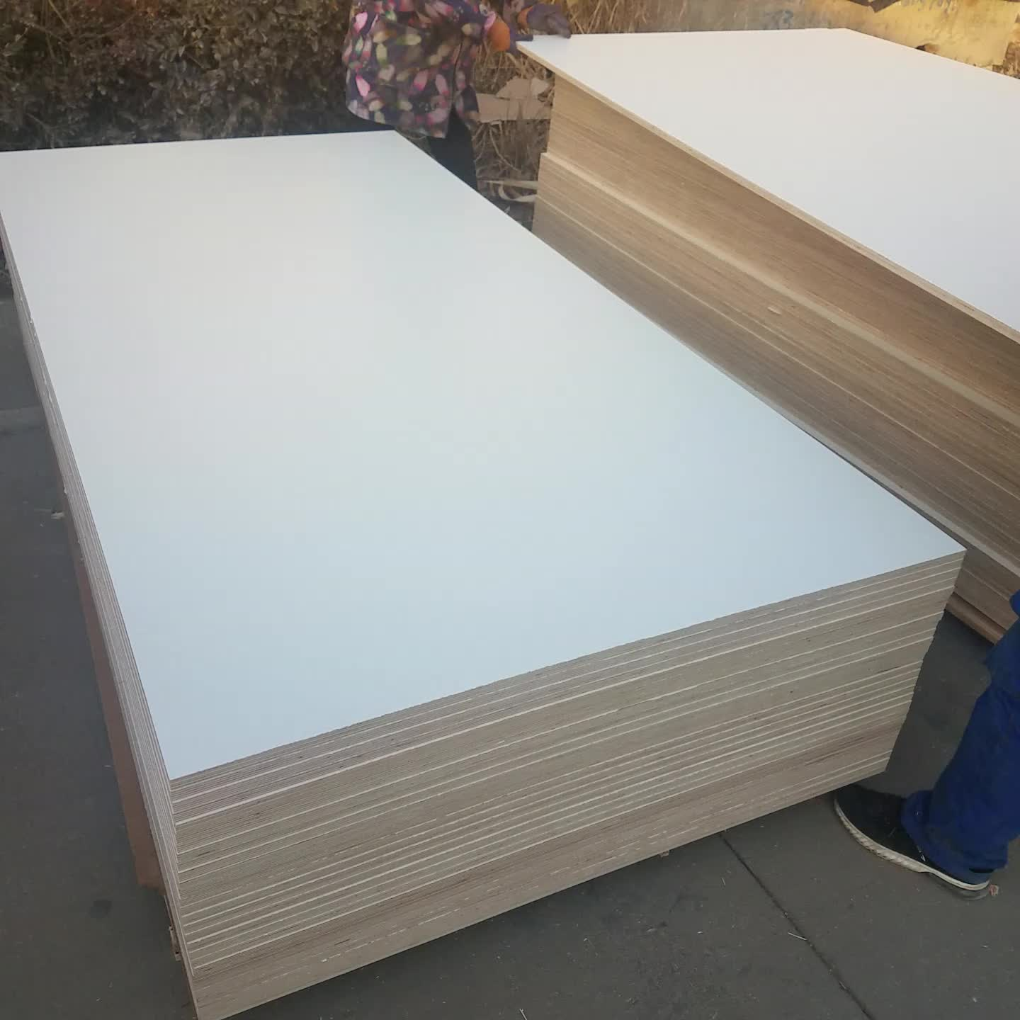 Low Price Flexible Laminated Plywood Sheets Of Melamine