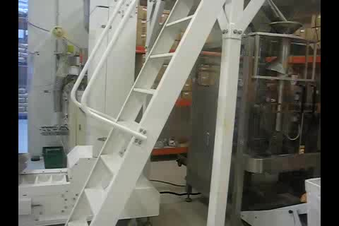 Automatic vertical forming filling sealing packing machine for food and liquid with roll film PE laminated film