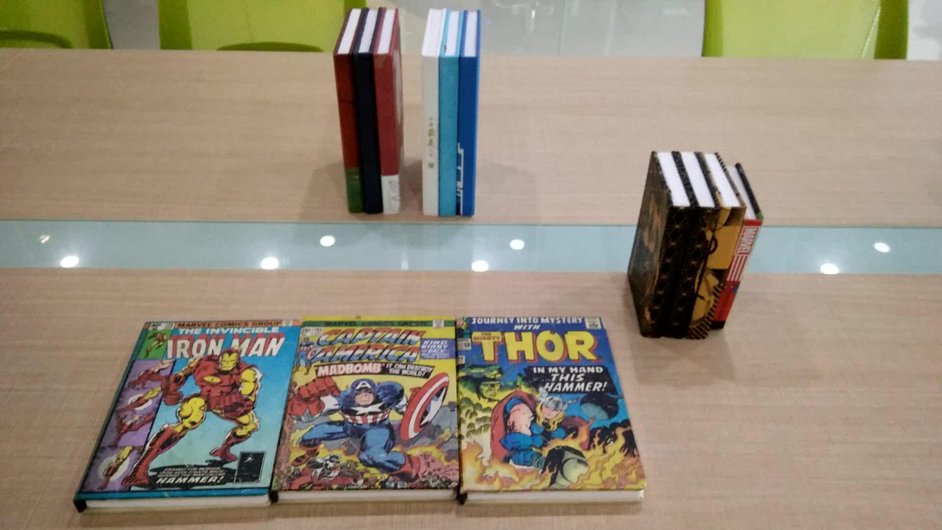 USB personalizzata Camera Da Letto Marvel Spiderman serie Led Libro Stampato Del Partito Della Luce