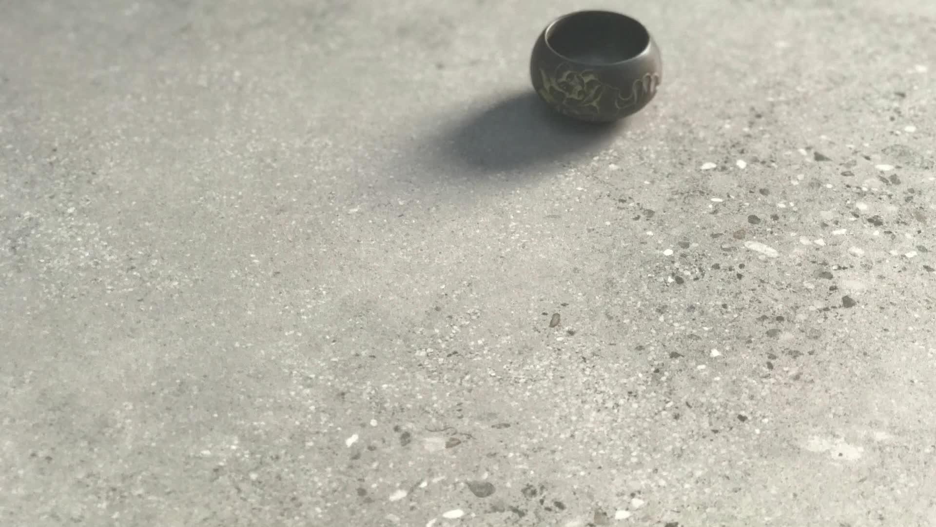 अर्द्ध पॉलिश चीनी मिट्टी के बरतन 60x60 ग्रे रंग सिरेमिक टाइल फर्श