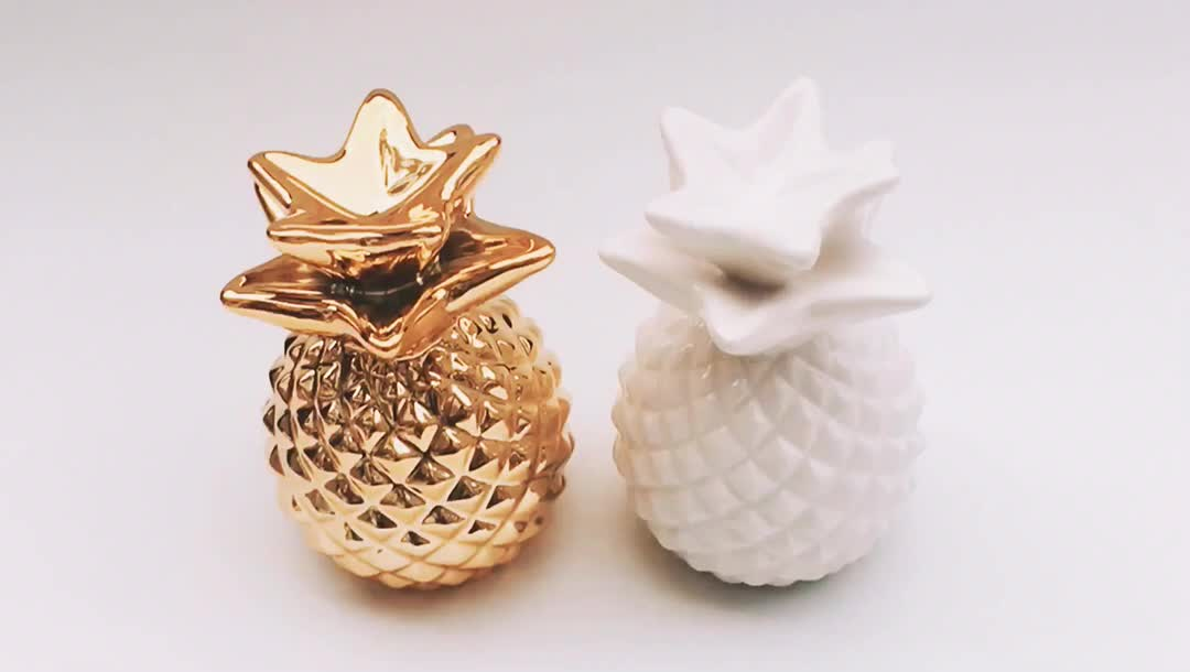 Home Decoration Gold plating ceramic pineapple decorative