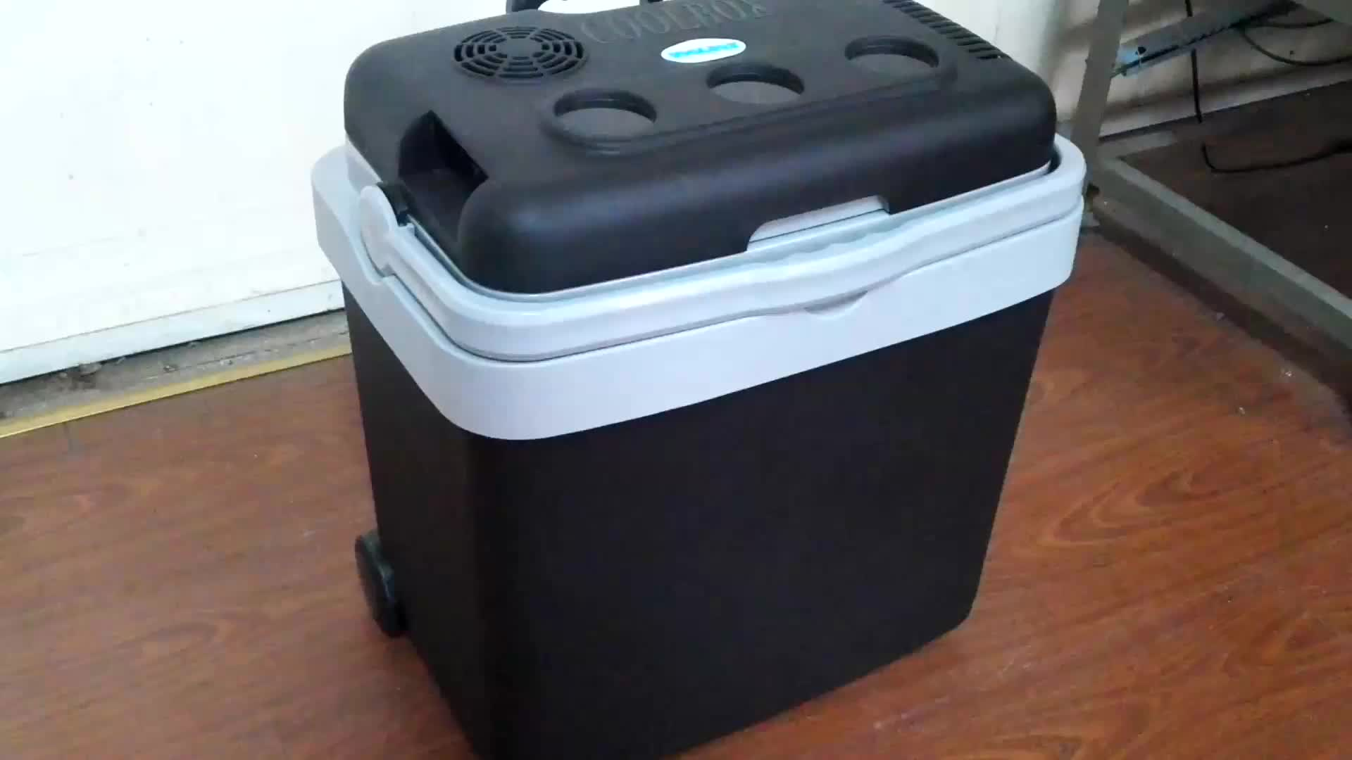 camping car cooler box 12v portable with trolley 33L ErP standard