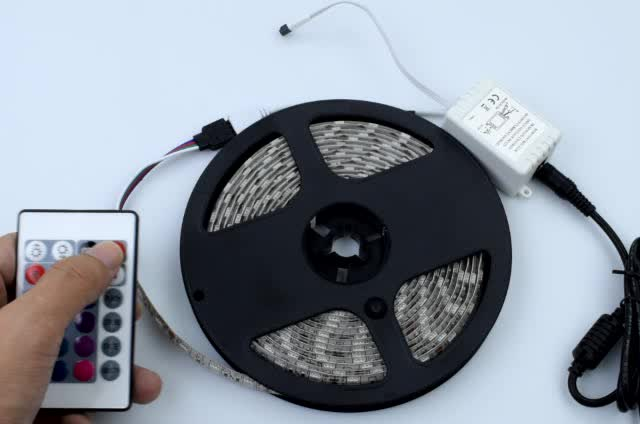 DC12V good quality 5050 SMD colorful led strip light with remote controller