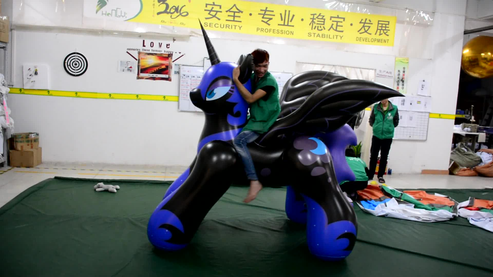 Jumping Inflatable Strong Horse, Guangzhou Custom PVC1.0mm Animal Toys, Inflatable Nightmare Moon Cartoon Horse