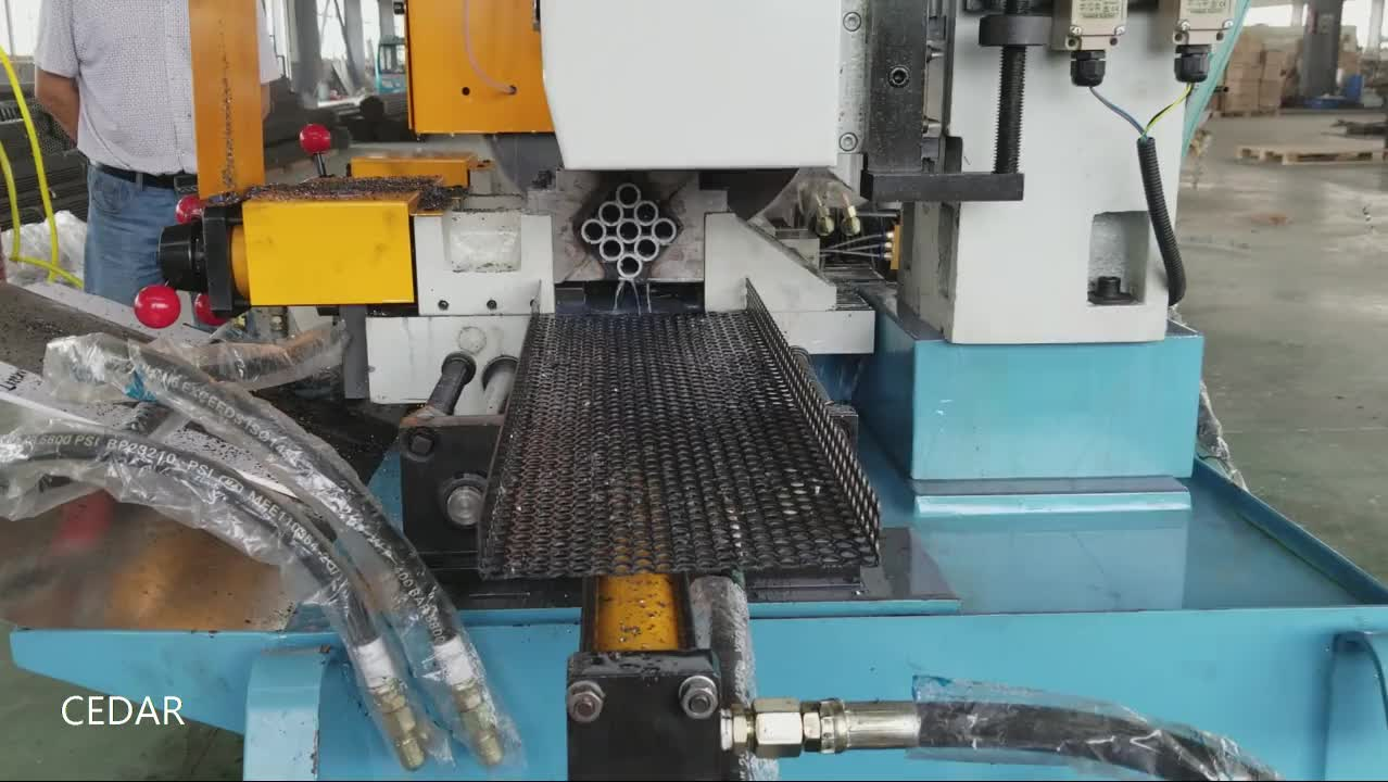 425CNC automatic pipe and tube cutting machine servo feeding copper pipe stainless steel pipe