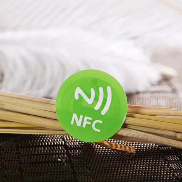 Low Price Custom 13.56MHZ RFID round or square shape 25mm NDEF encoded iOS nfc tag for iphone