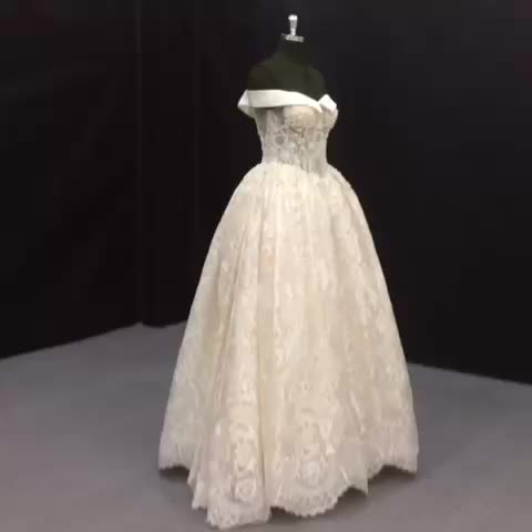 Floor Touching Off Shoulder Elegant Cinderella Bridal Ball Gown Wedding Dress Antique Lace Dresses With
