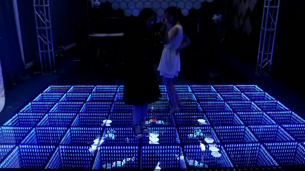 Time tunnel 3d effect decoration wedding led lighted glass for Cheap floor covering solutions