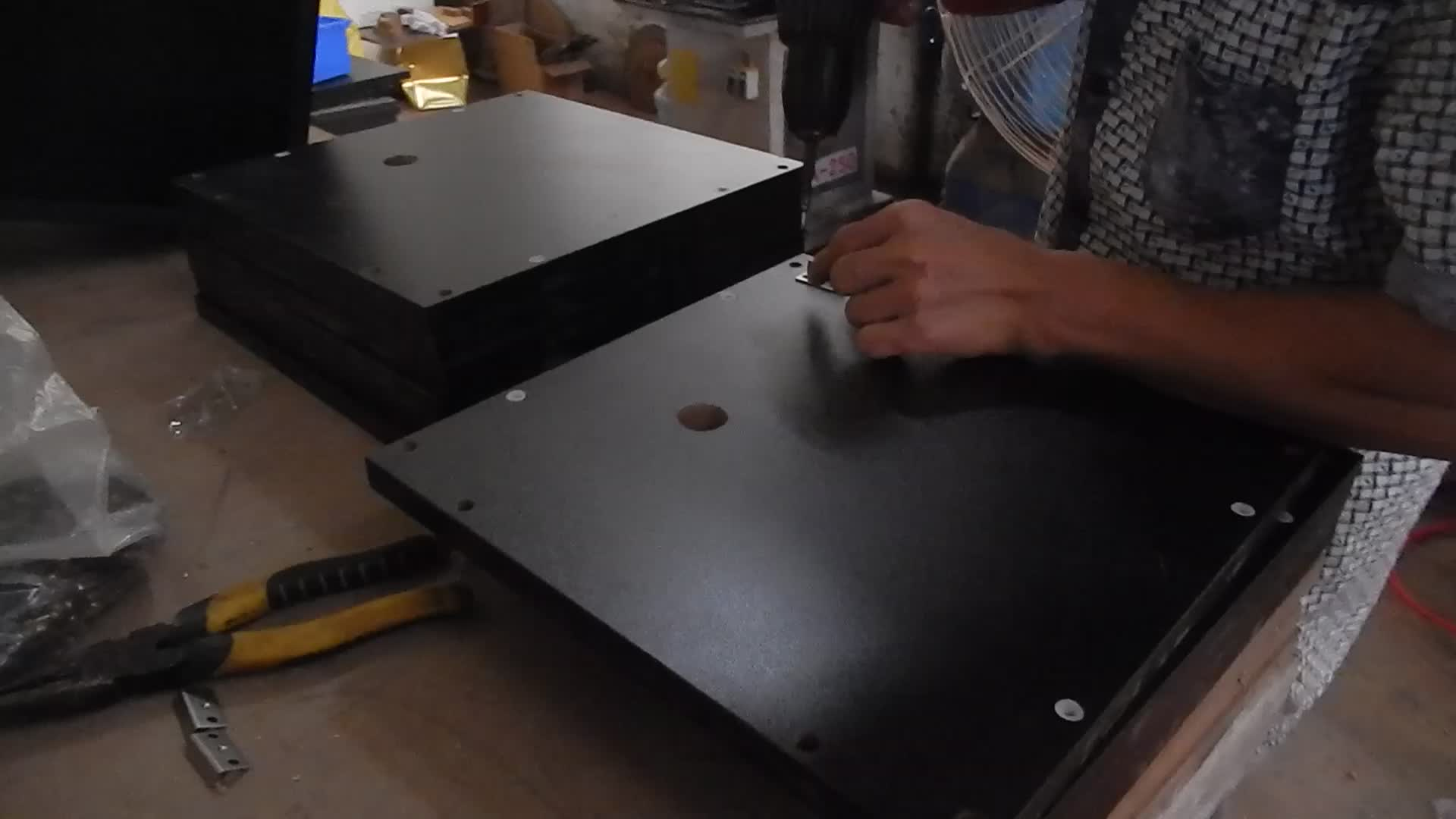 Abbattere Mdf Metallo Dispositivo di Visualizzazione Freestanding Pietra Del Basamento Artificiale Piazza Floor Tile Display