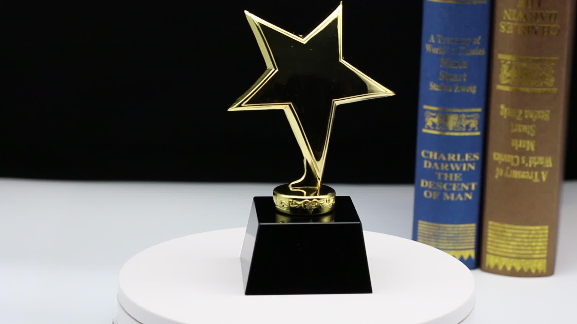 Wholesale Golden Metal Star Trophy Crystal Award For Business Gifts HJT0019