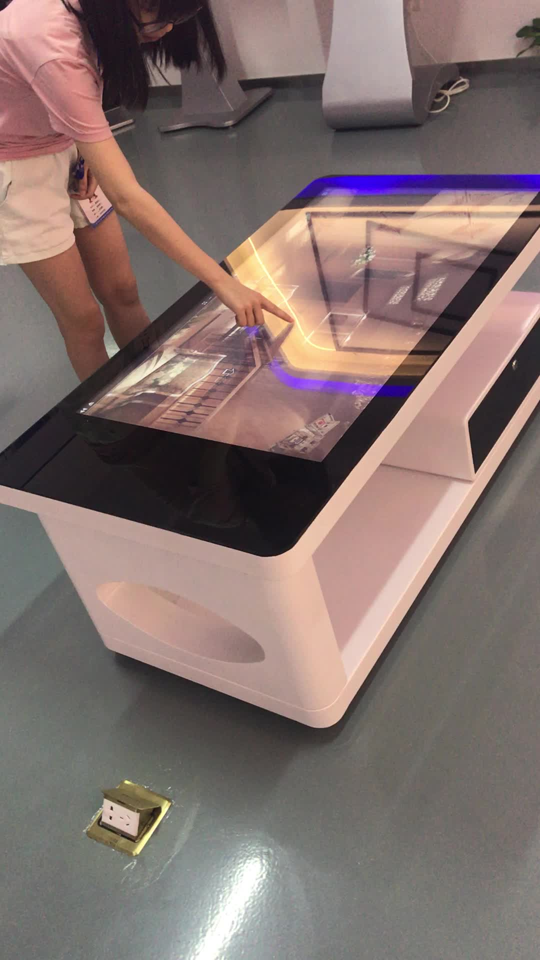 Touchwo 32 Inch Kiosk Mall Smart Interactive Multi Touch Table