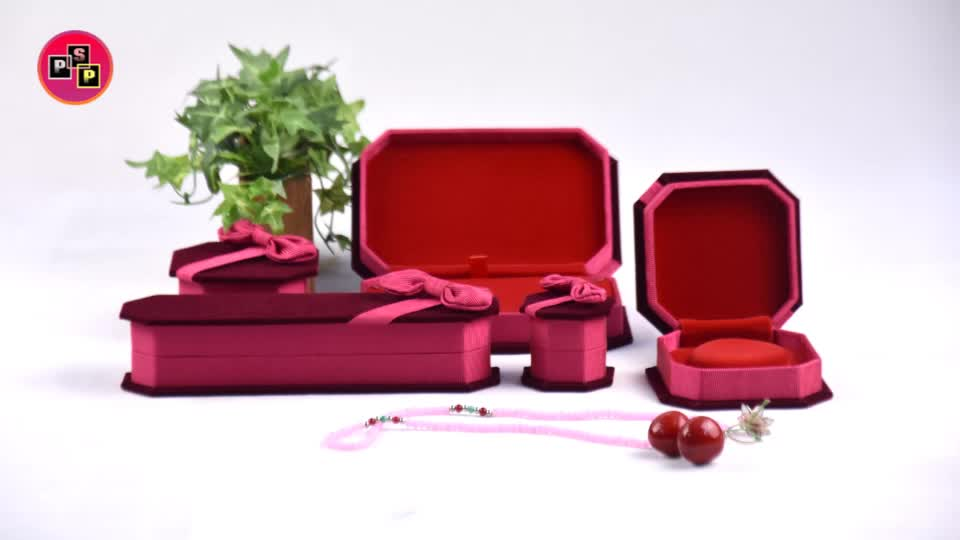 wholesale manufacturer personalized custom luxury gift ring bracelet necklace packaging red velvet jewelry box