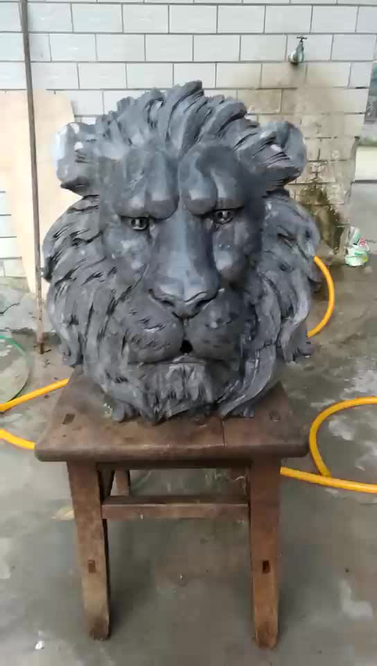 Garden Lions Head Hanging Stone Wall Water Fountain