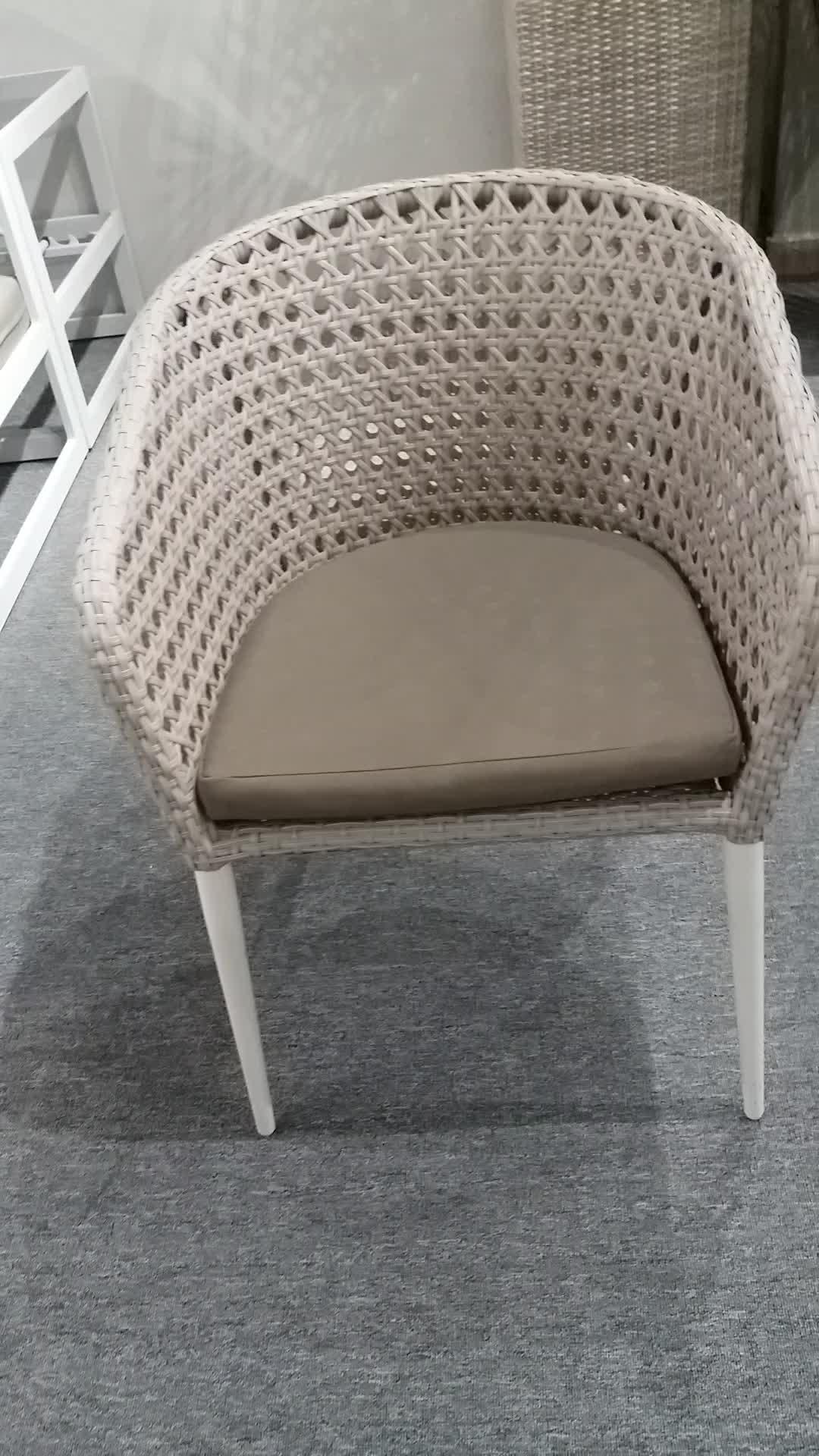 आधुनिक सुरुचिपूर्ण रेस्तरां मेज और कुर्सी बगीचा रतन विकर Patio फर्नीचर छूट आउटडोर डाइनिंग सेट