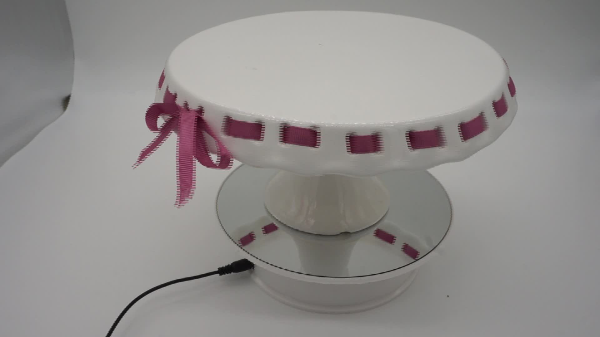 Hot Selling New Design Wholesale Ceramic Dome Cake Cover