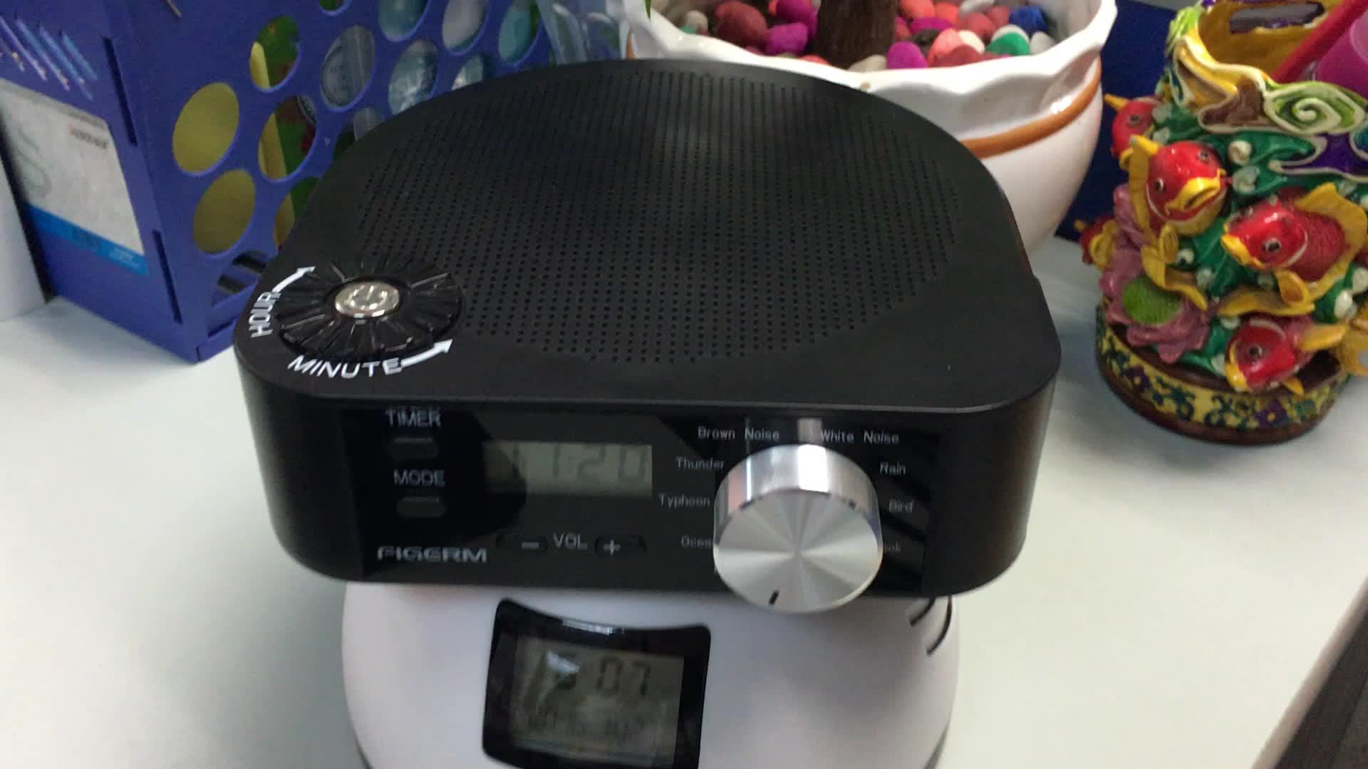 white noise sleeping sound machine