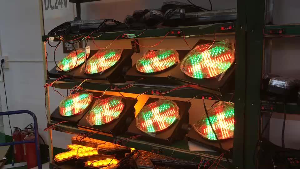 300 mét trạm thu phí mũi tên giao thông flasher ánh sáng một đơn vị dẫn ánh sáng giao thông