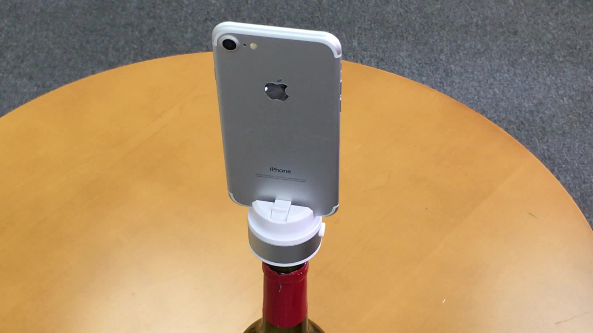 New 2017 360 Rotate Phone Stand Spinner Phone Holder with Wine Stopper Take Panorama Photo Selfie