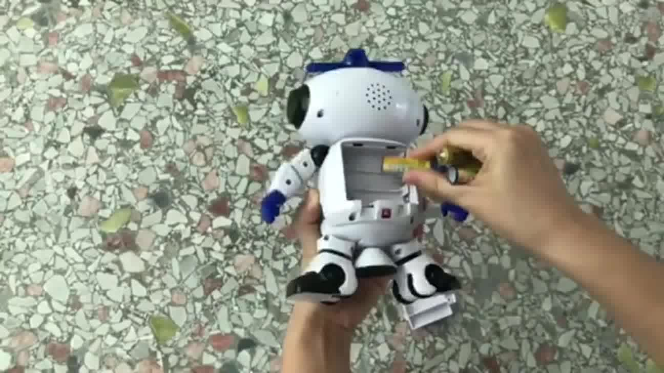 Top quality electric 360 rotation dancing robot with music&light